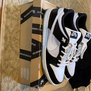 Nike SB dunk low concord